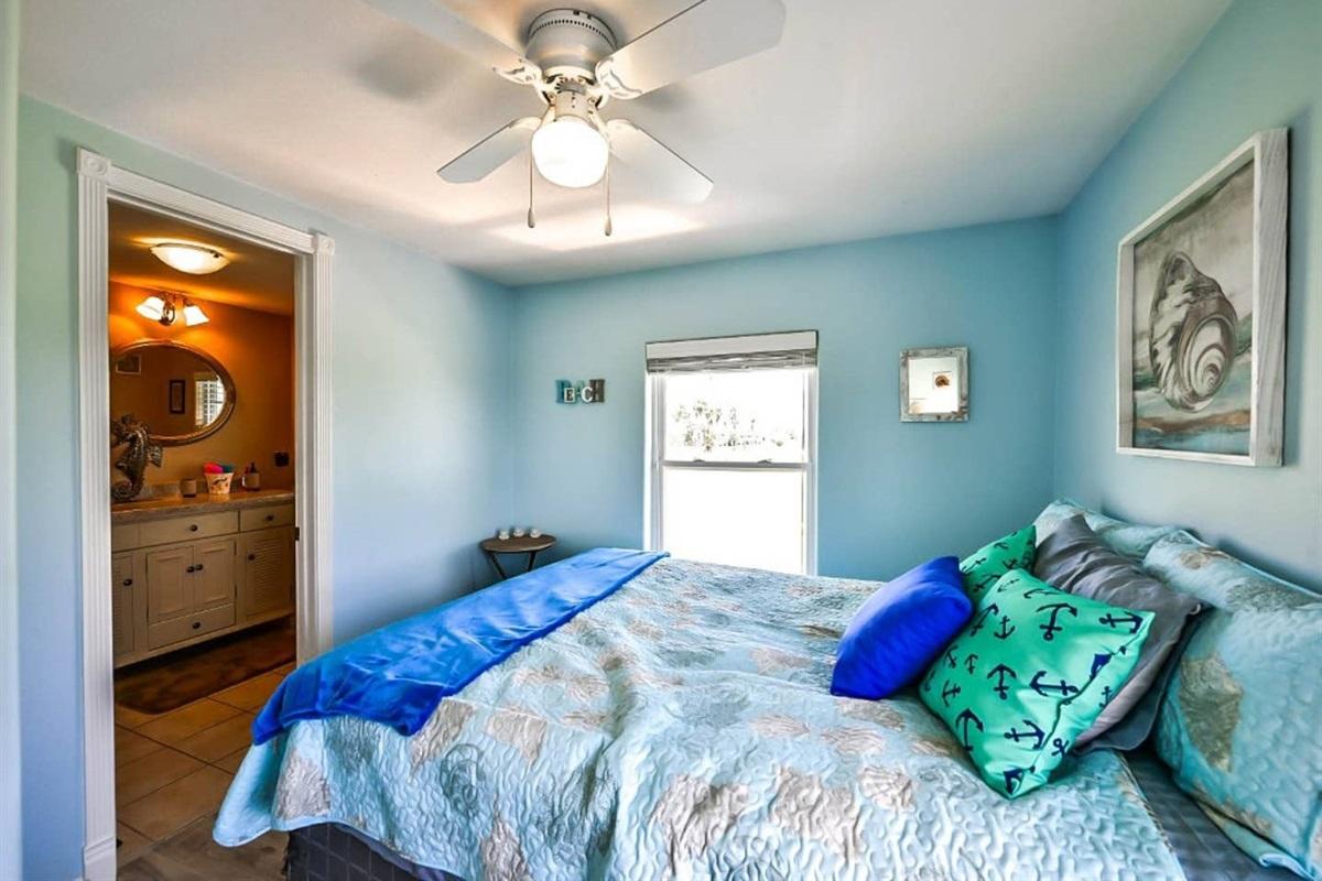 Guest Bedroom with Jack & Jill en Suite - main house