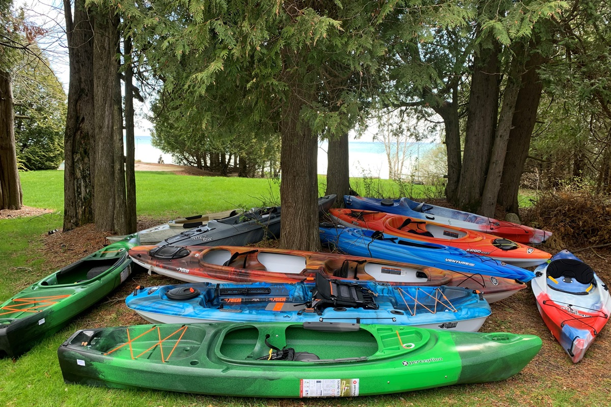 KAYAKS! 10 kayaks, life jackets, and bikes to enjoy!