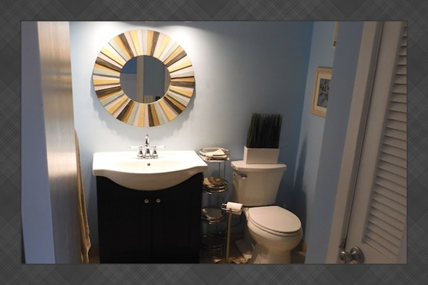 Remodeled Hall Bath w/New Vanity and Tiled Shower