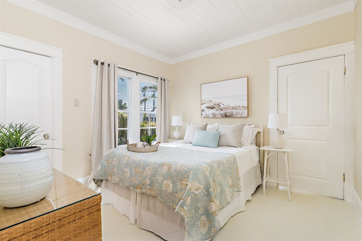 The 2nd bedroom has a comfortable Queen sized bed with Smart Fire Stick App TV and closet.