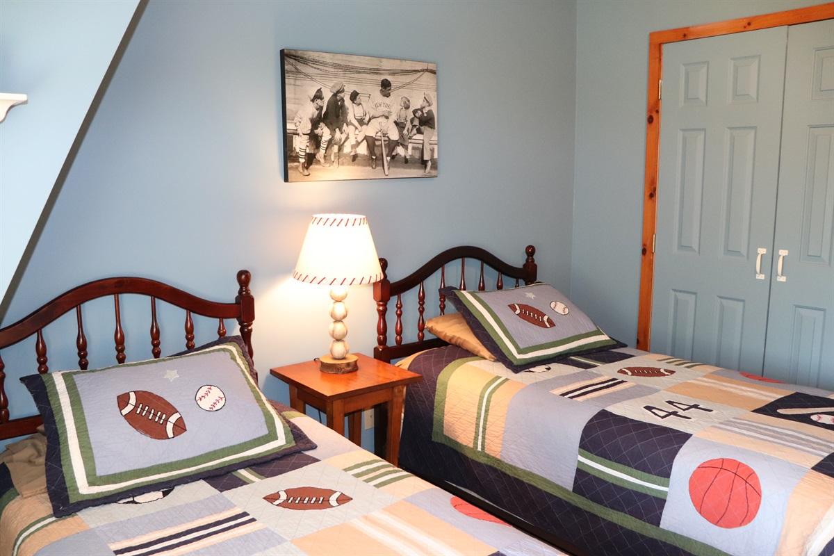 Twin beds bedroom #2
