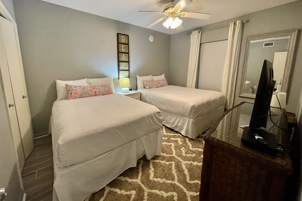 Bedroom #3 with Queen + Full Size Beds