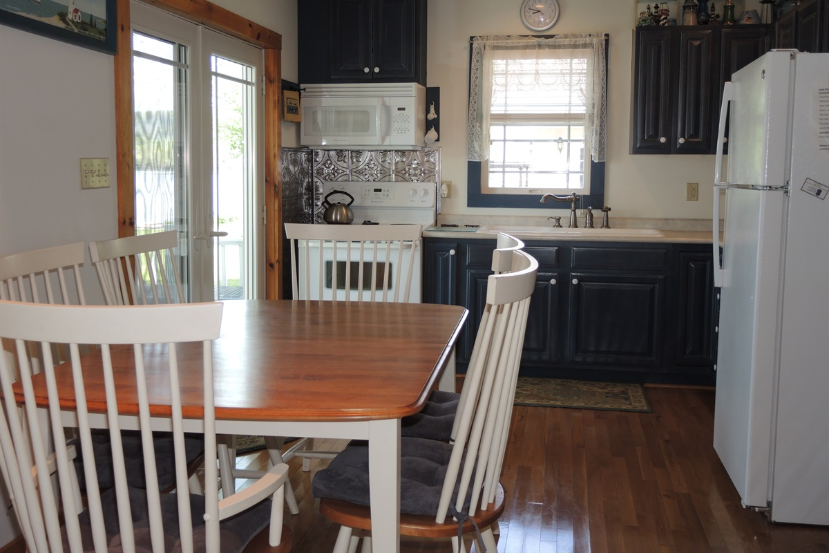 Eat in kitchen and doors to the porch