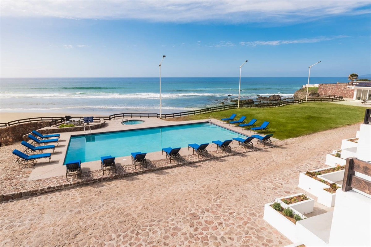 Swimming Pool and Oceanfront Jacuzzi