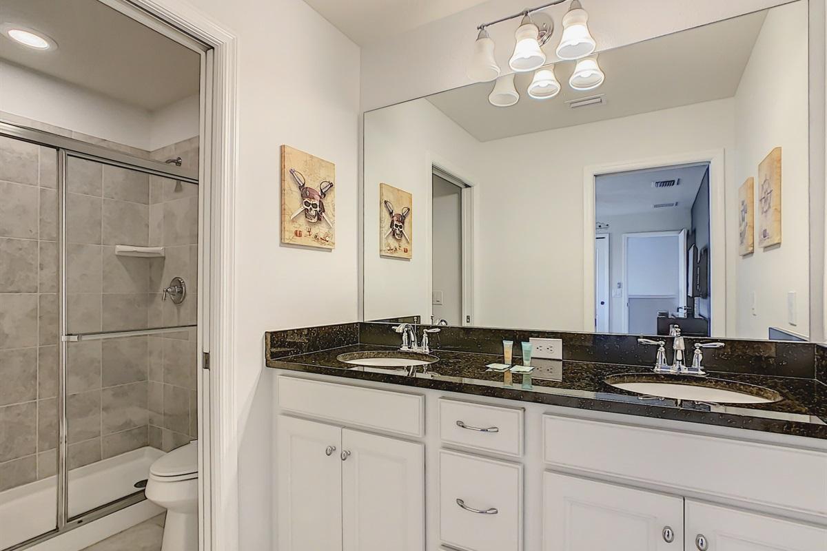 Bath 4-Suite 3 En Suite Bathroom
