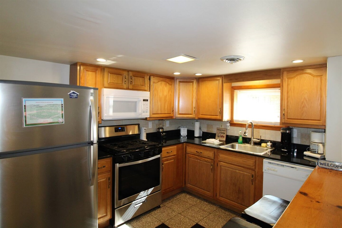 Efficient, fully equipped kitchen for all the comforts of home