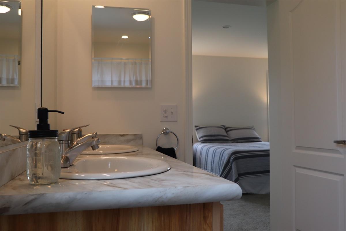 Main level master bedroom ensuite bath