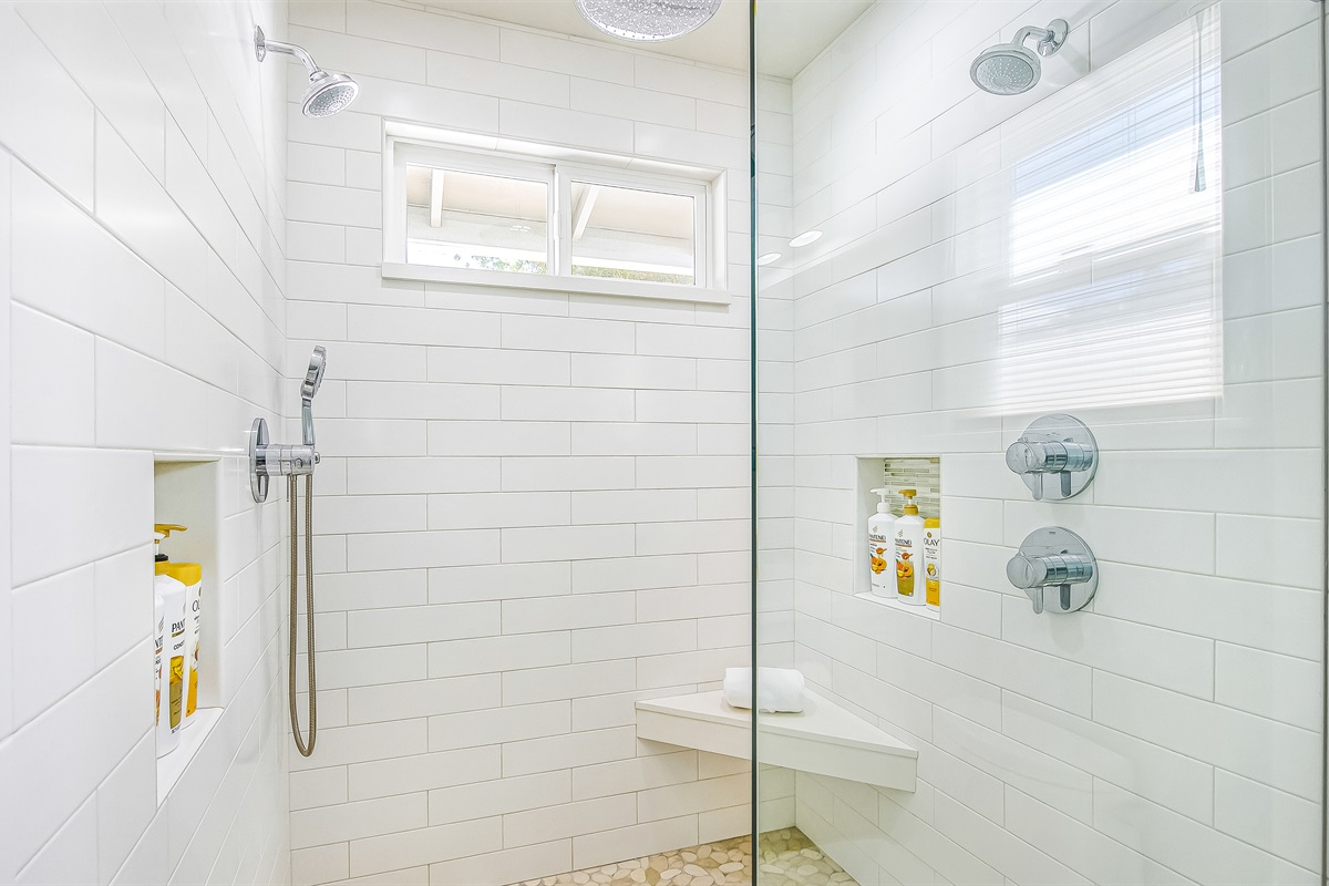 Extravagant extra-large 2-person shower.