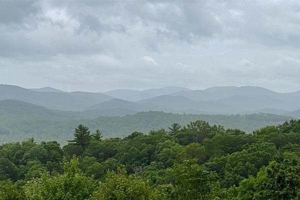 Misty mountain morning!