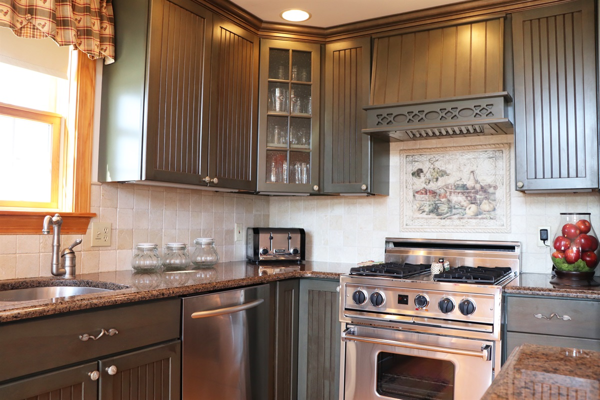 High end kitchen appliances for you cooking pleasure!