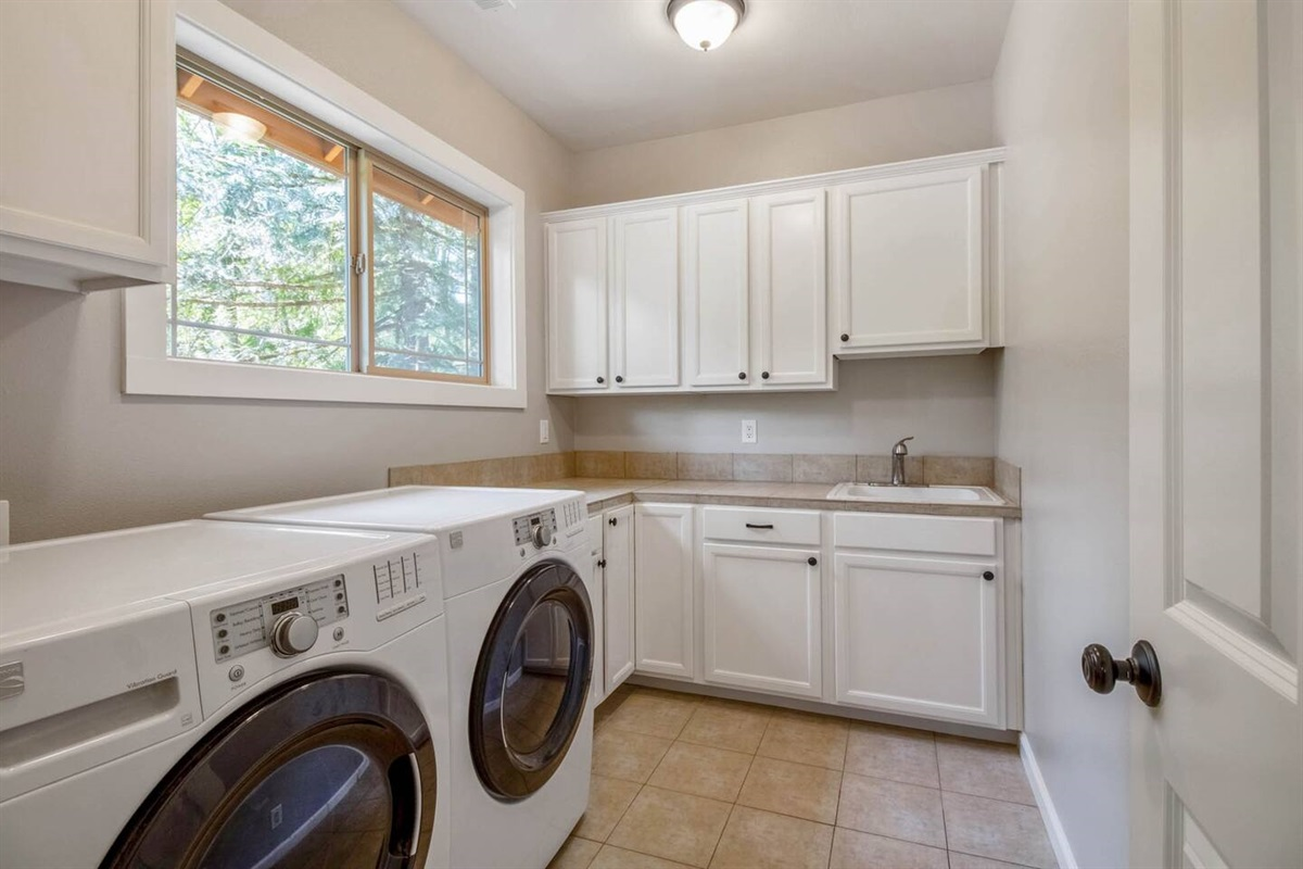 Fully accessible laundry room