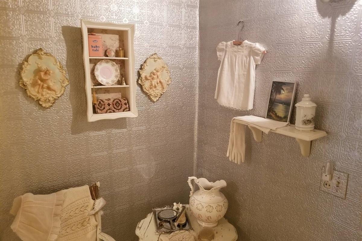 White Suite - Dressing Room