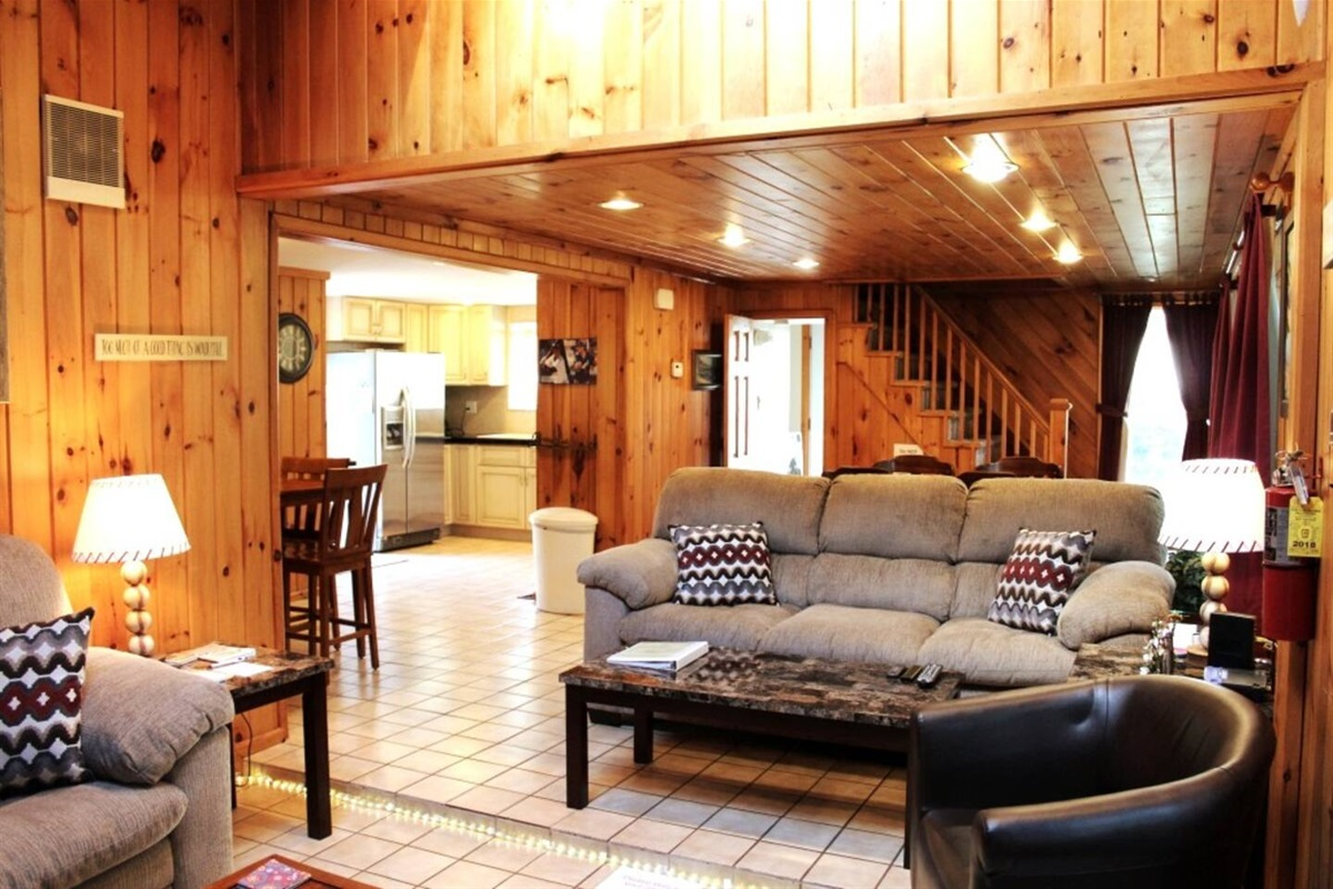 Open floor plan for quality family time after a long day of fun on the water, hiking or sightseeing.