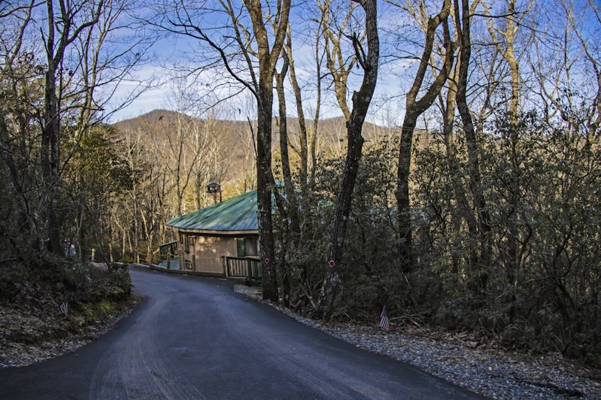 With a paved driveway, access to the cabin is a breeze!