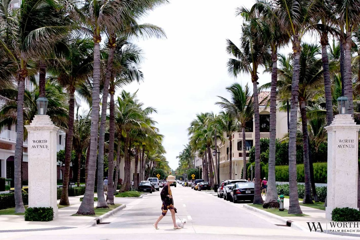 """""""Shop till you drop"""" at the world famous Worth Avenue in Palm Beach"""