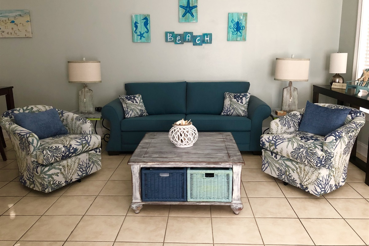 Living area with queen pullout sofa