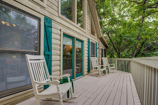 Outside deck with mountain views!