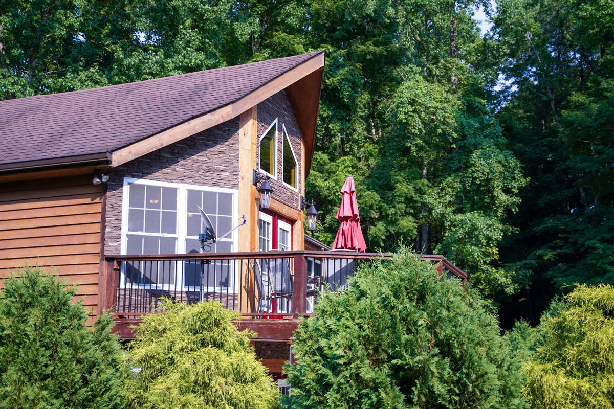 Spending time on the screened in patios was lovely and relaxing. And we very much enjoyed the beautiful views of the lake from several places in the house. If you are considering booking this home, just do it! -Sandee July 2021