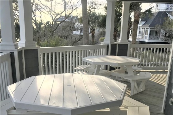 1st Floor Large Covered Porch with 2 new picnic tables overlooking the Ocean