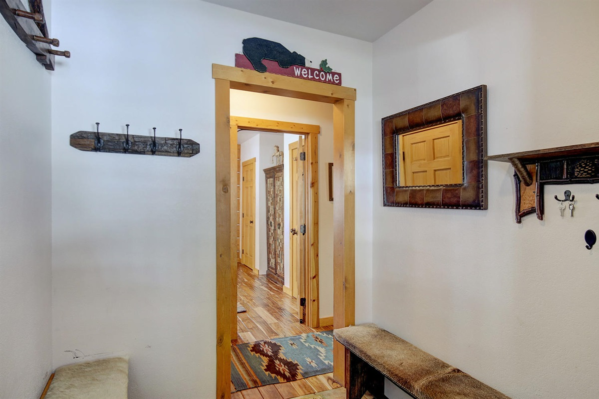 Entry way with plenty of space for jackets
