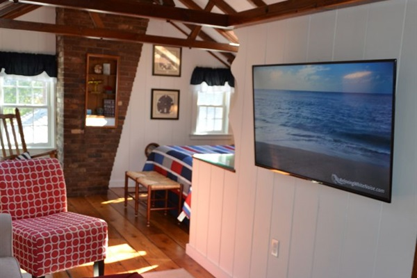 A second Ultra 4k Smart HDTV is located in the 2nd floor Master BR ensuite.