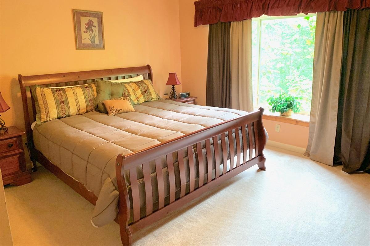 King - bedroom 8