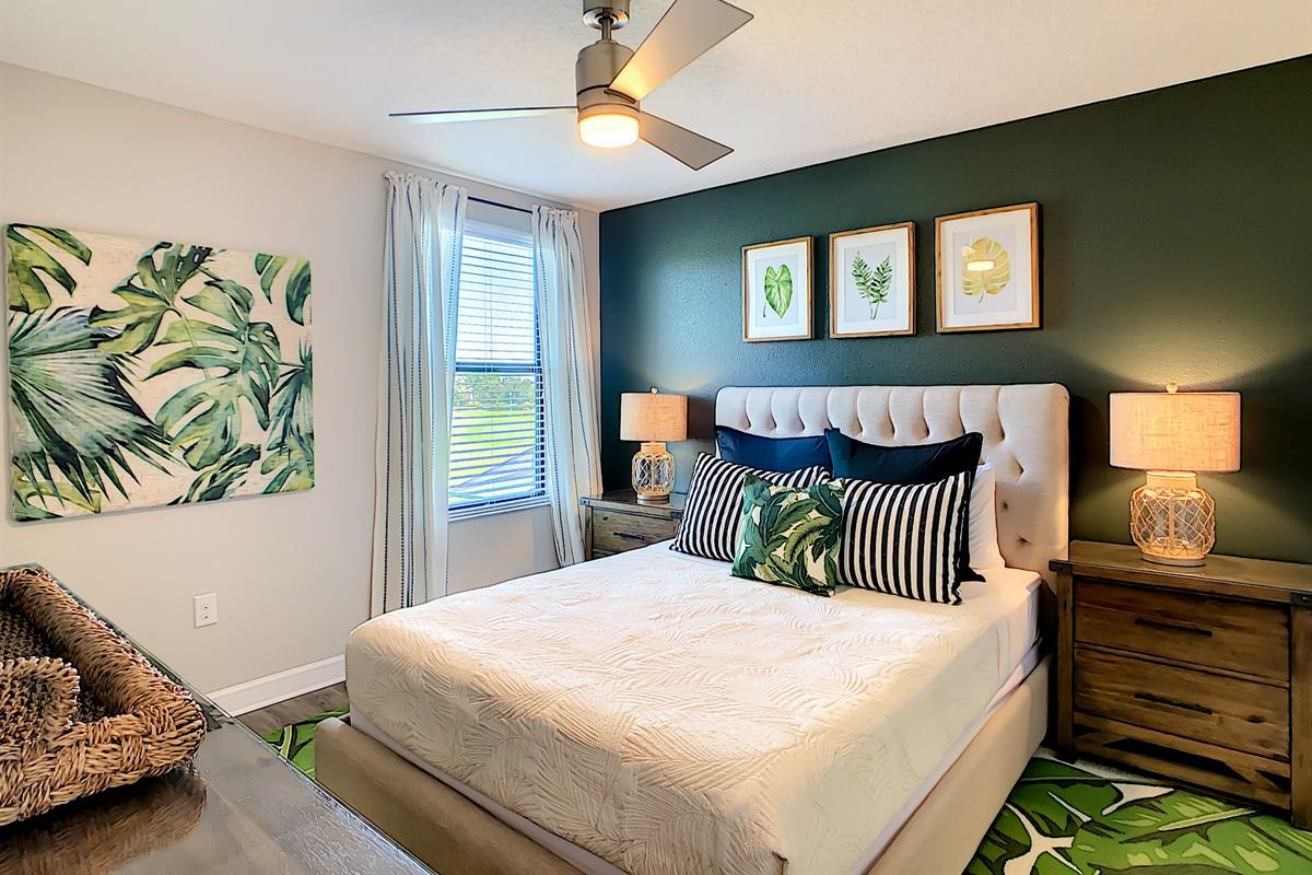 Bedroom 8 - Queen Bed - 2nd Floor