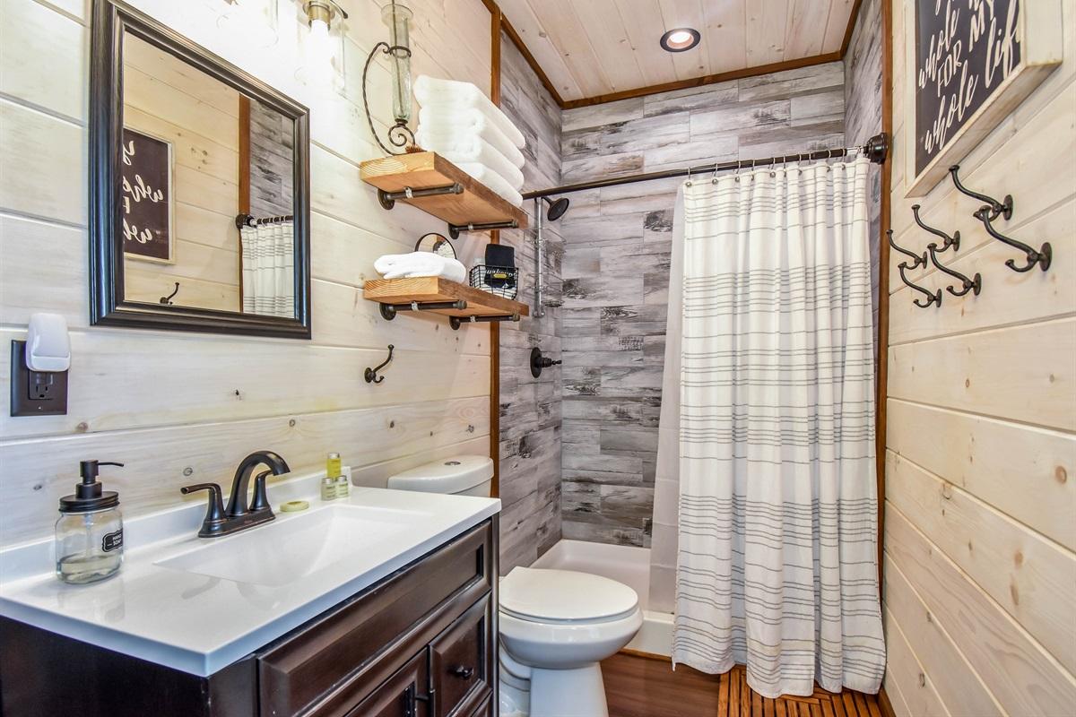 Skier's Retreat En-suite with Walk-in Shower