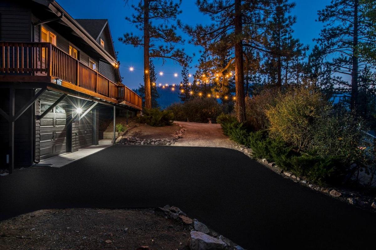 Spacious driveway and grand wraparound deck at Fox Haus.