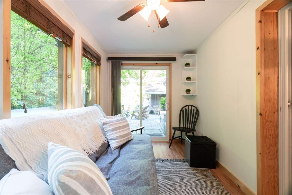 Muskoka room with futon