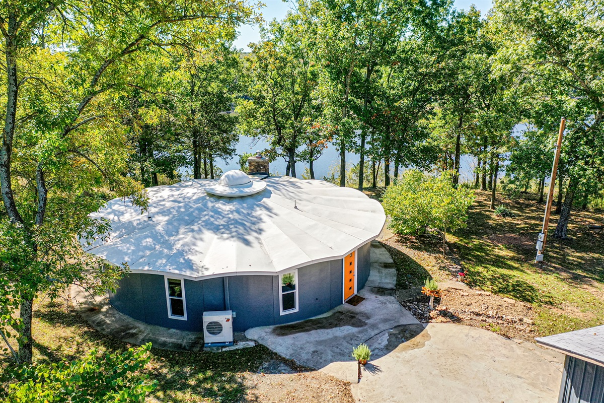 See You Round is a fiberglass kit-home, built in 1976. It sits on over an acre of lake-front land, and was lovingly restored with a mid-century vibe.