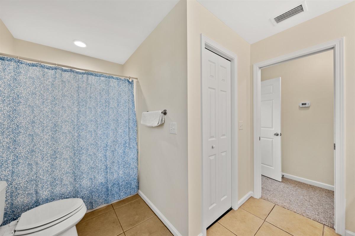 Master Bathroom (3rd Level)