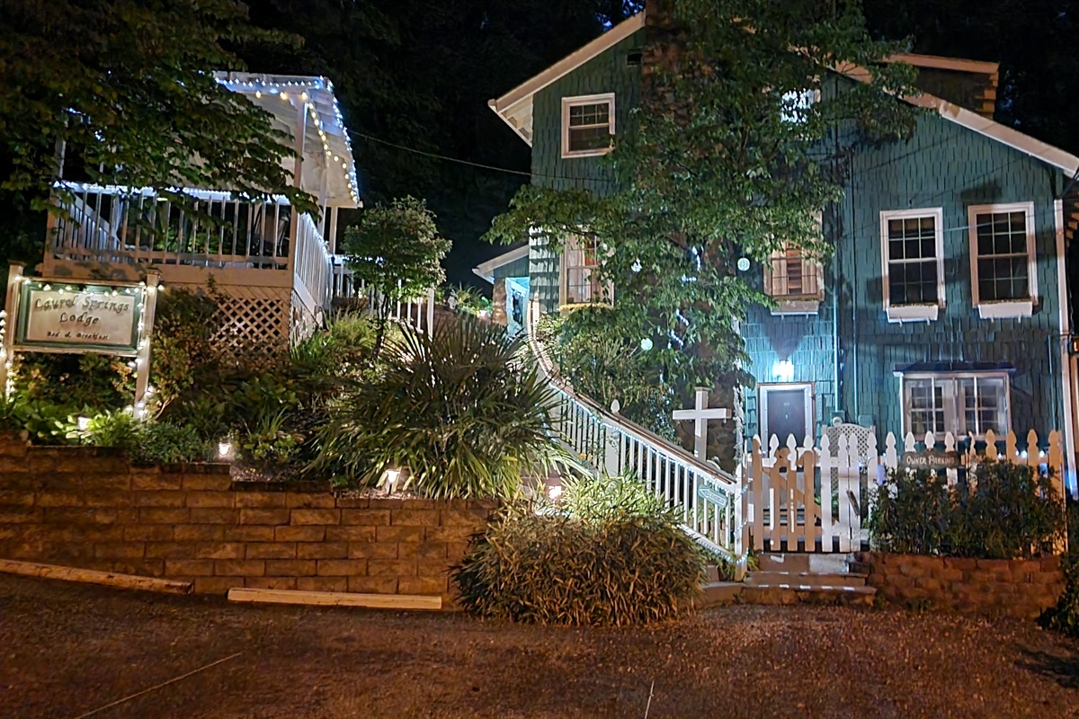 This home is absolutely beautiful at night!  Sit in the hot tub and enjoy the beauty of it all