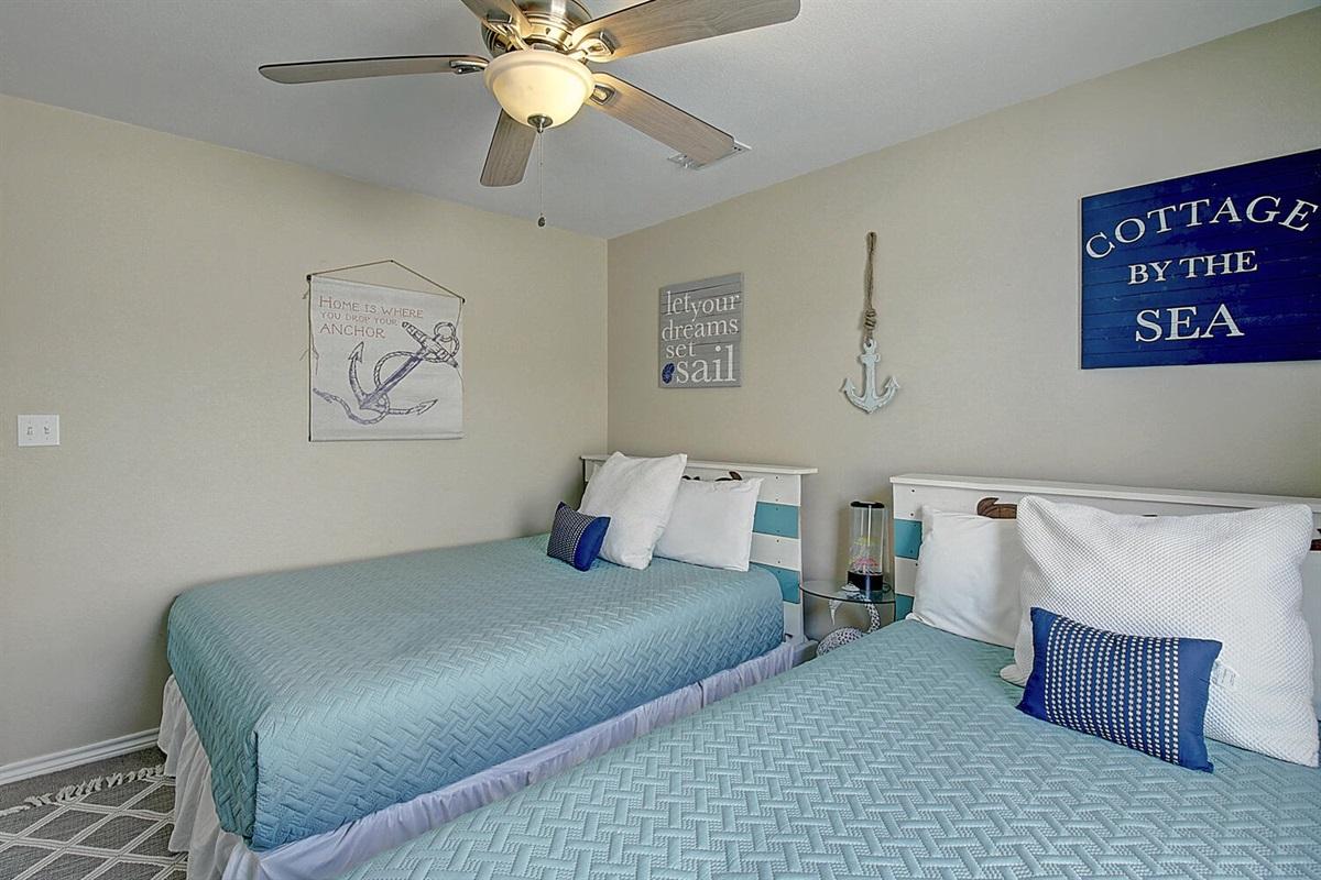 2nd Bedroom:  Two Queen Beds