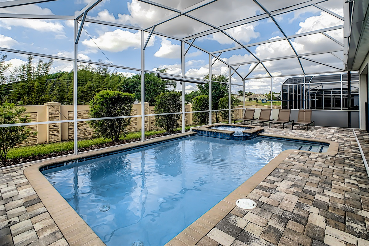 South-Facing, Private Pool & Spa (Option to add heat for $30/day)