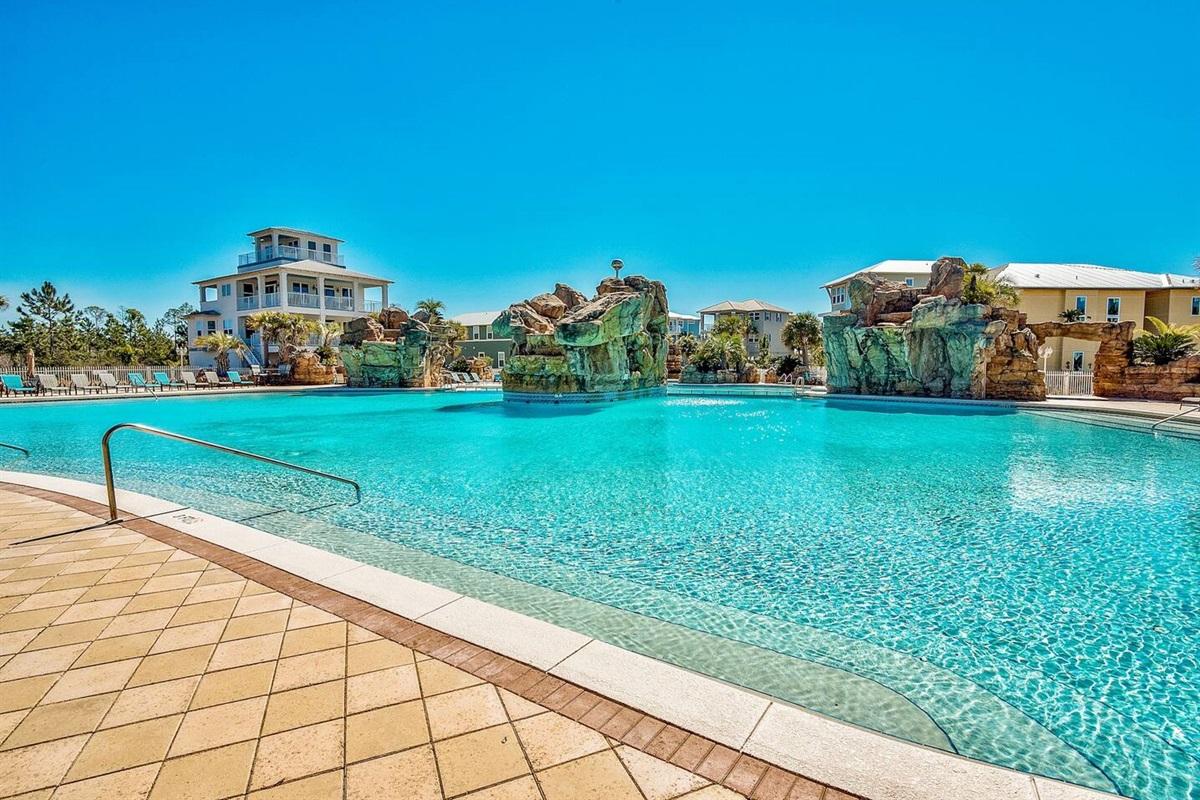 Gorgeous Resort Pool