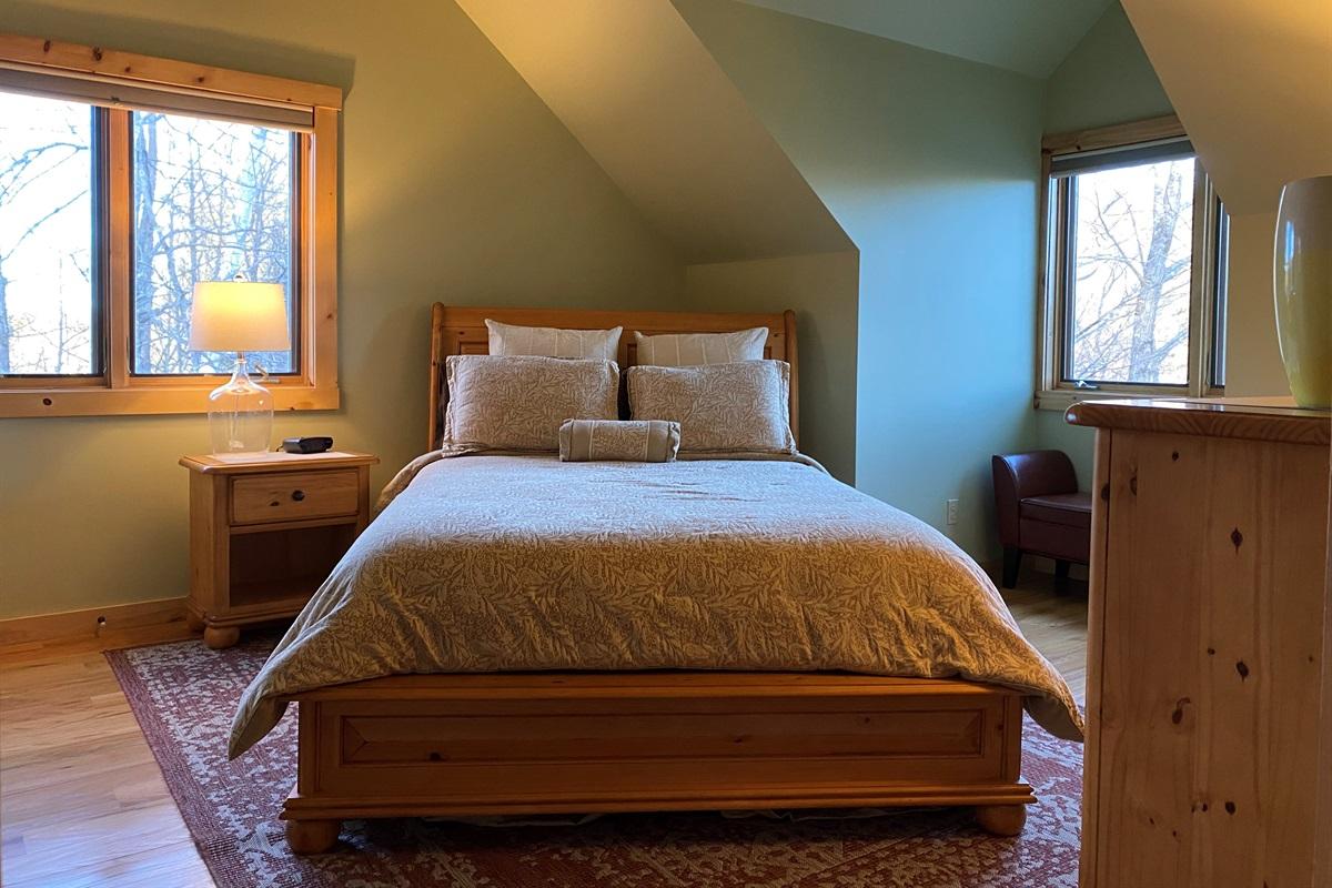 Upstairs Queen Bedroom1