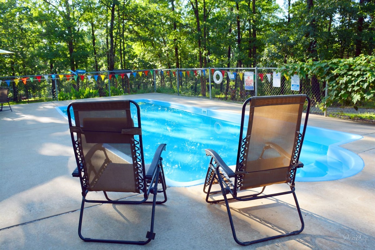 Pool open from Memorial Day Weekend - Labor Day