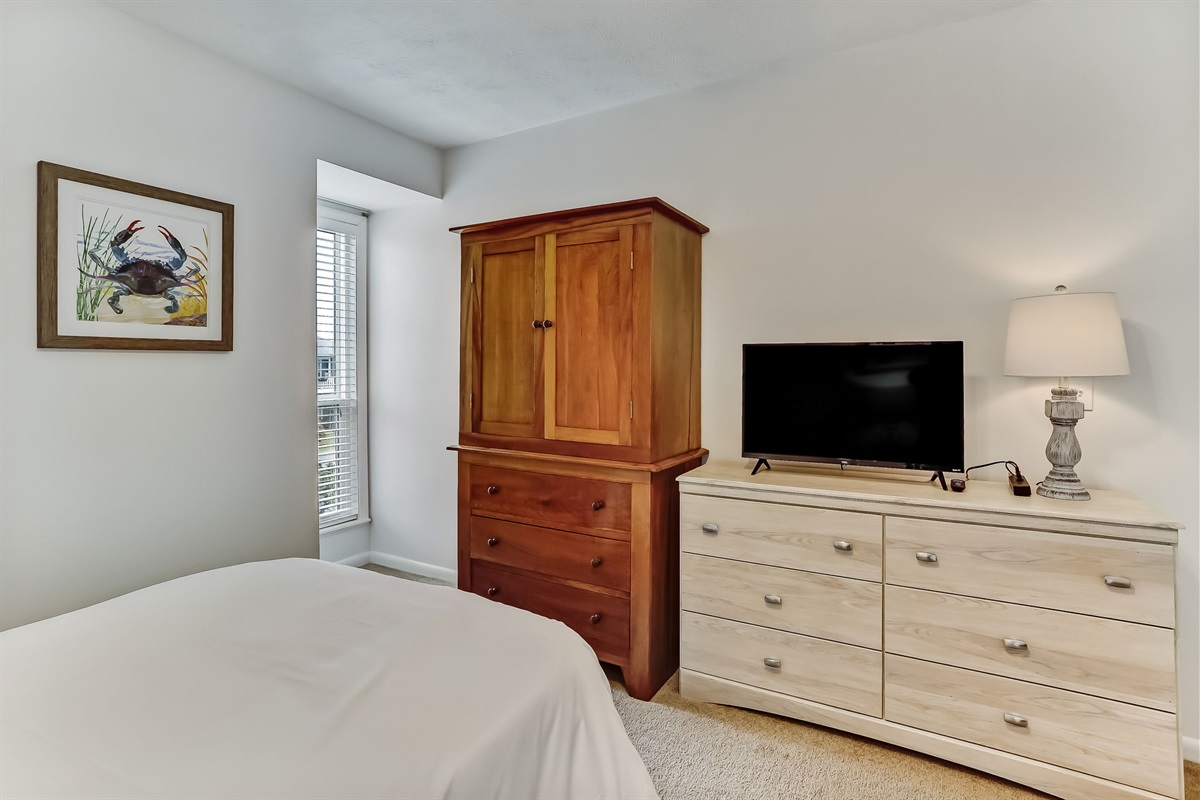 Twin Bedroom with TV