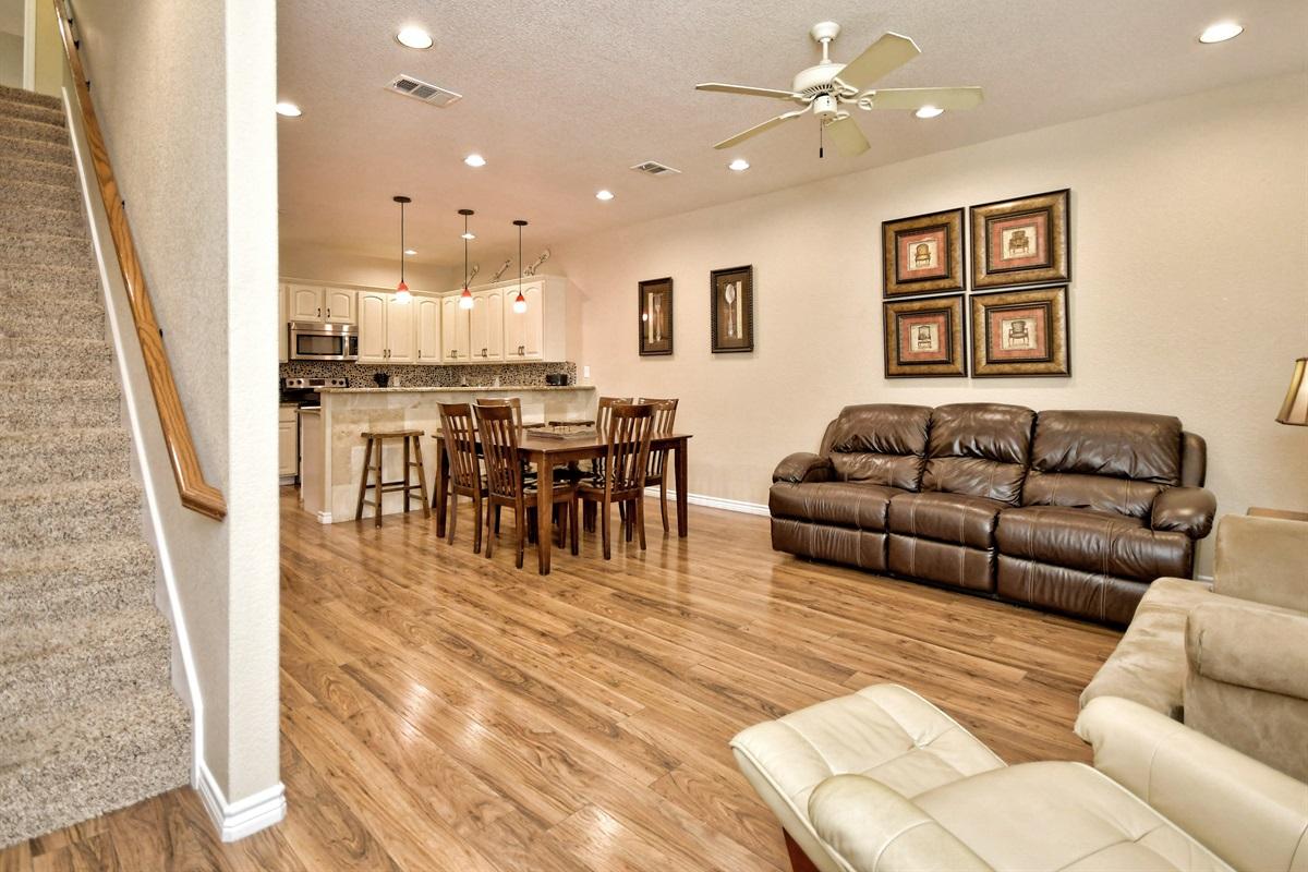 HH #B - Living & Dining Room