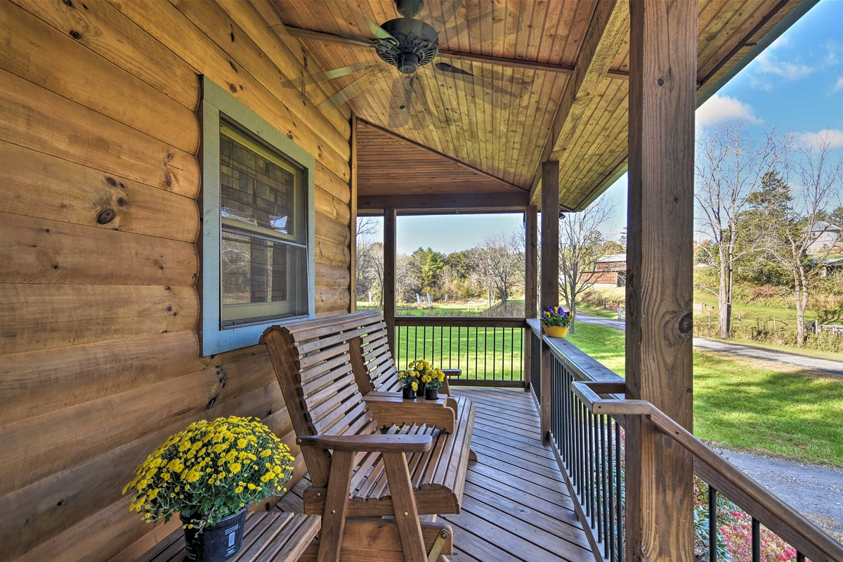 'Brookside' is a 1-bath studio cabin with space for 4 guests.