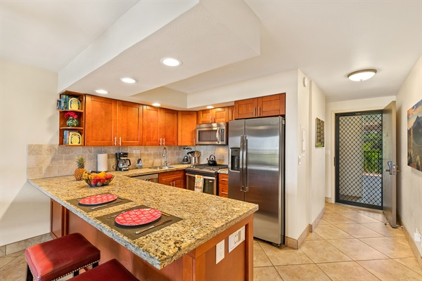 Kitchen remodel: granite countertop, soft-close cabinets and drawers