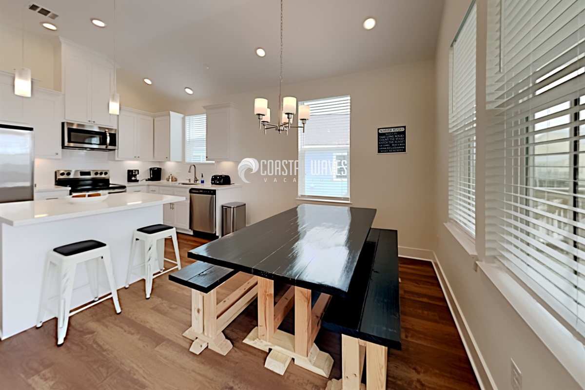 Dining room & Kitchen island