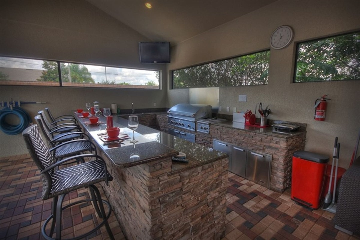 Stunning Outdoor Kitchen and BBQ