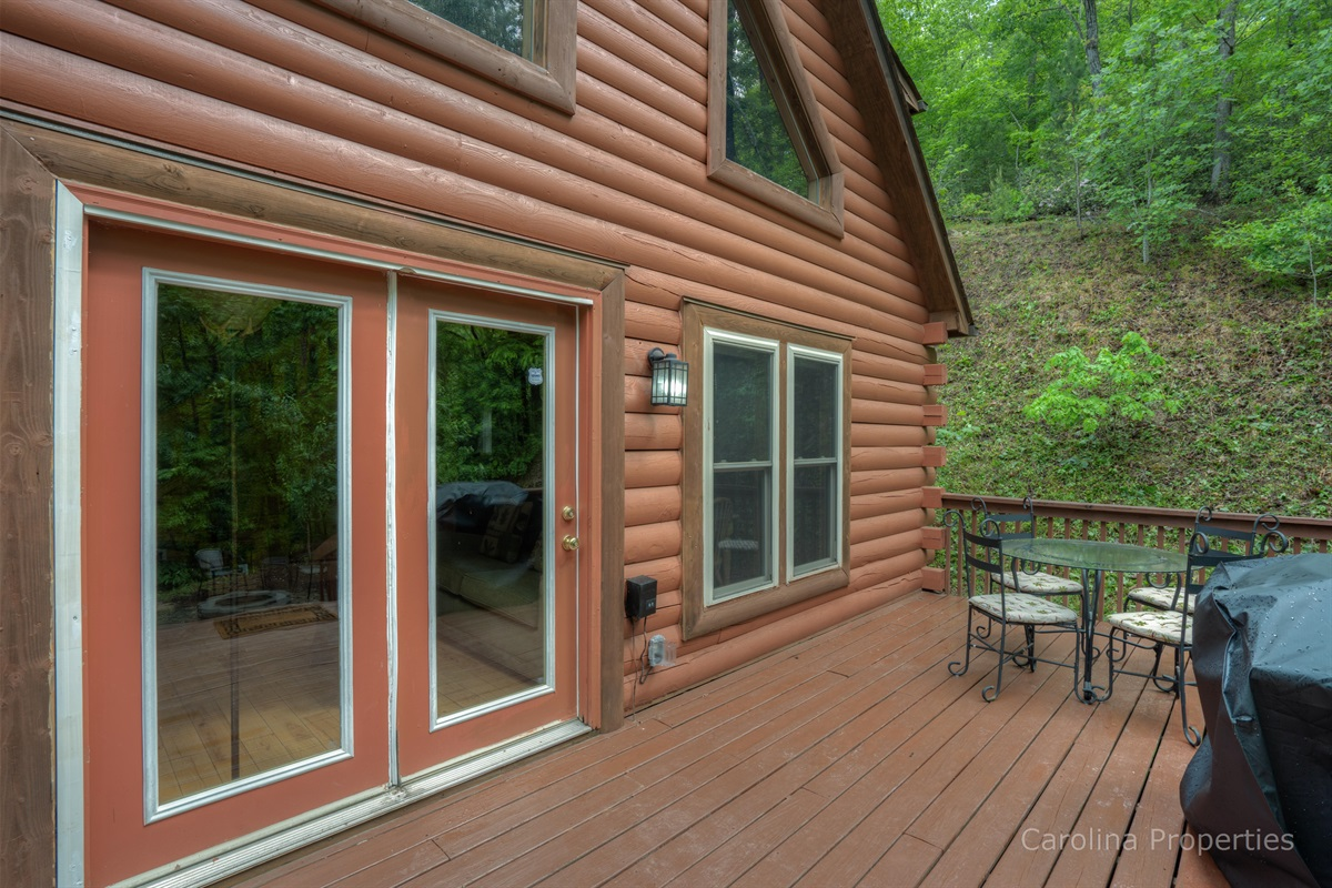 Additional view of the back deck