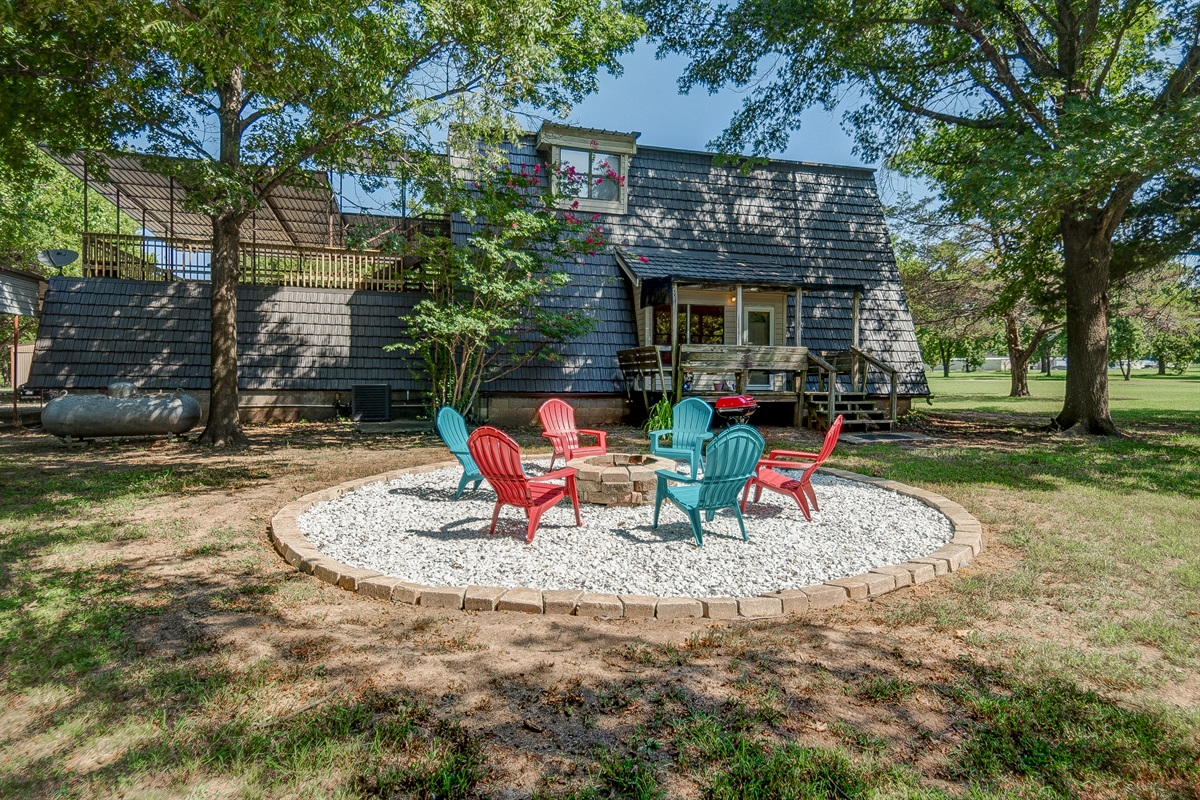 Firepit, small BBQ grill, plus back porch seating