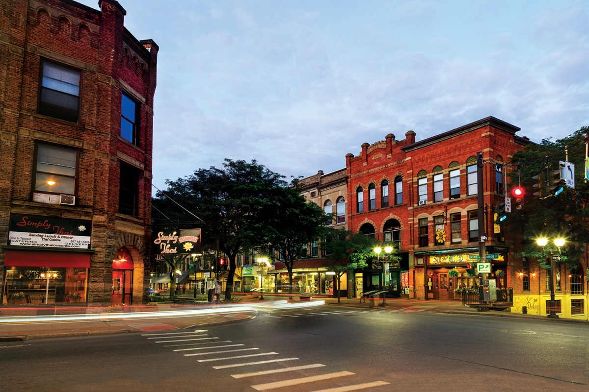 Downtown Oneonta dining and shopping is just a mile away