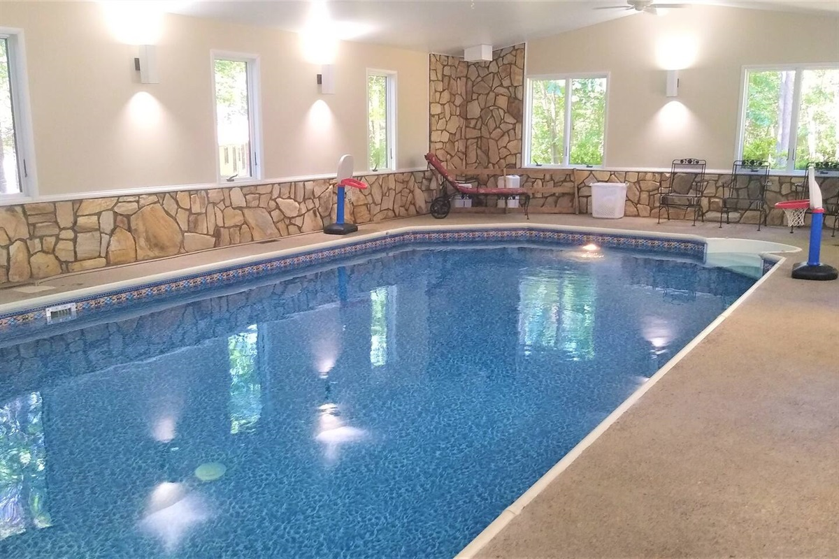Heated indoor private swimming pool 16 x 32 feet. 3ft in shallow end, 5ft deep end.  In June 2020  - new pool heater and new pool liner! The pool bottom looks like it is moving when there are waves in the water.