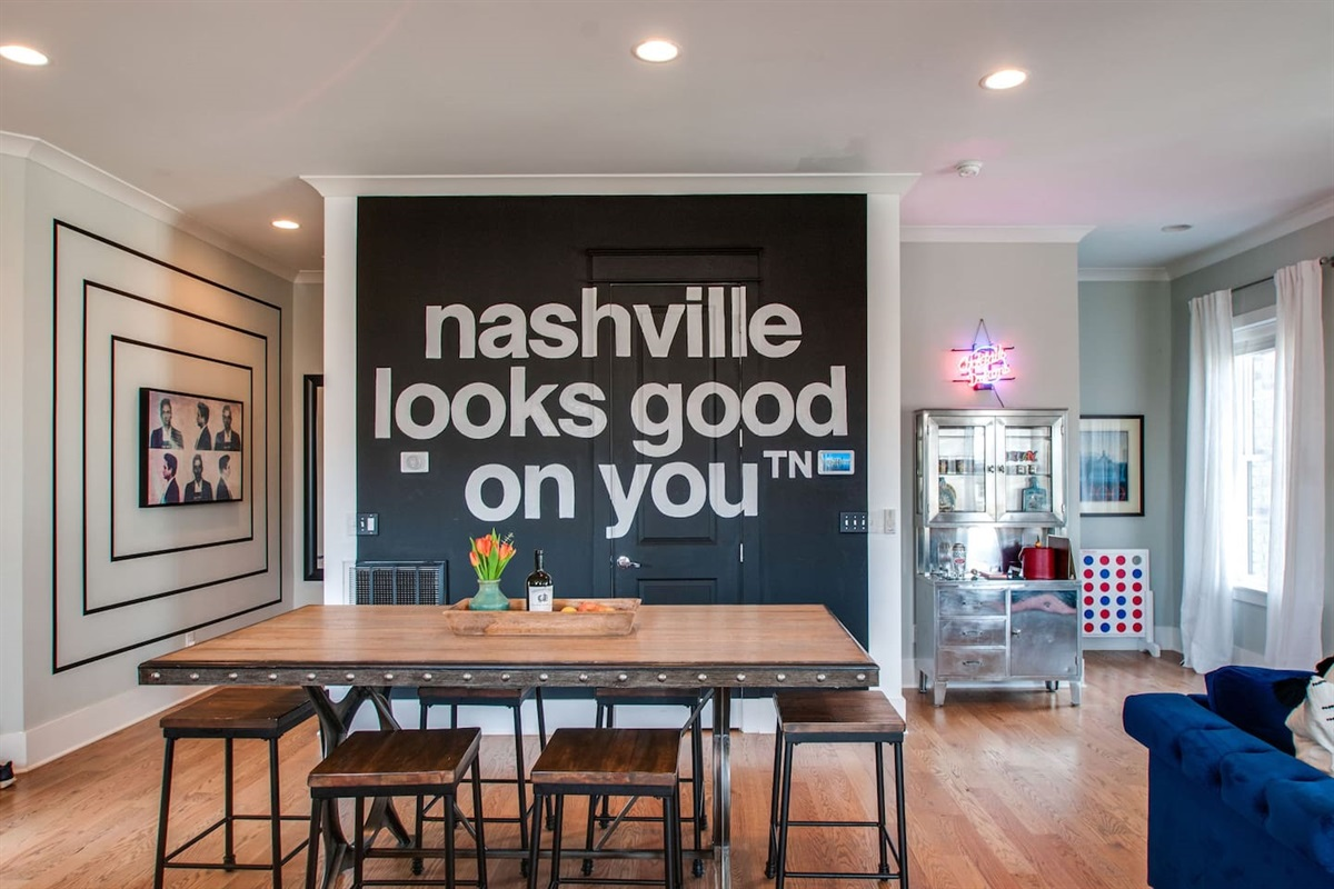 """""""nashville looks good on you"""" Mural by Nash.tn"""