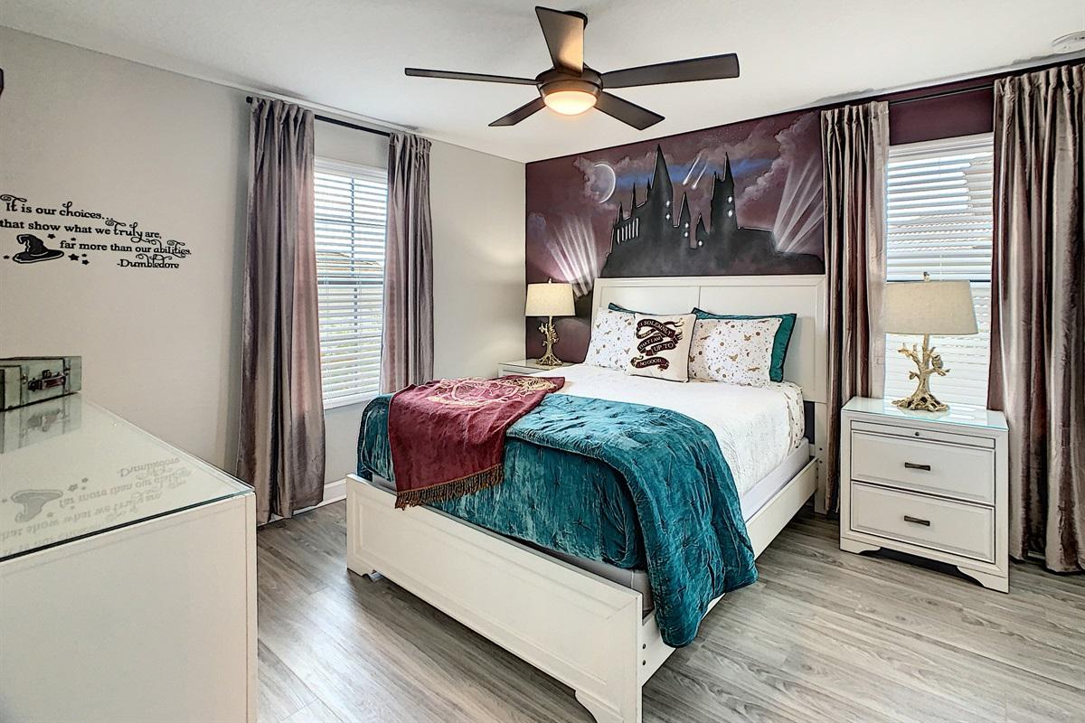 Bedroom #4-2nd Floor-Queen Bed